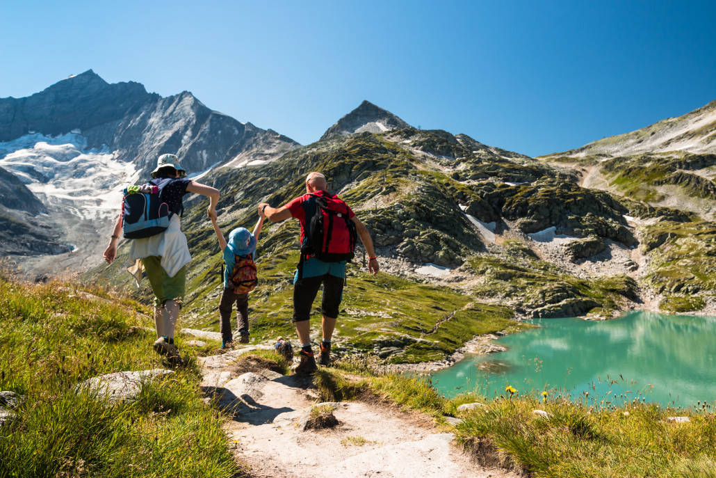 How To Help The Whole Family Enjoy Hiking And Camping